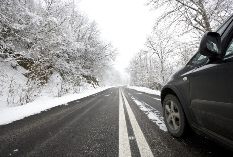 auto-montagna-inverno